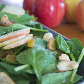 Apple-Cashew Spinach Salad