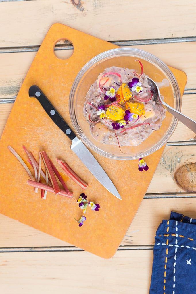 Rhubarb-Mango Oatmeal