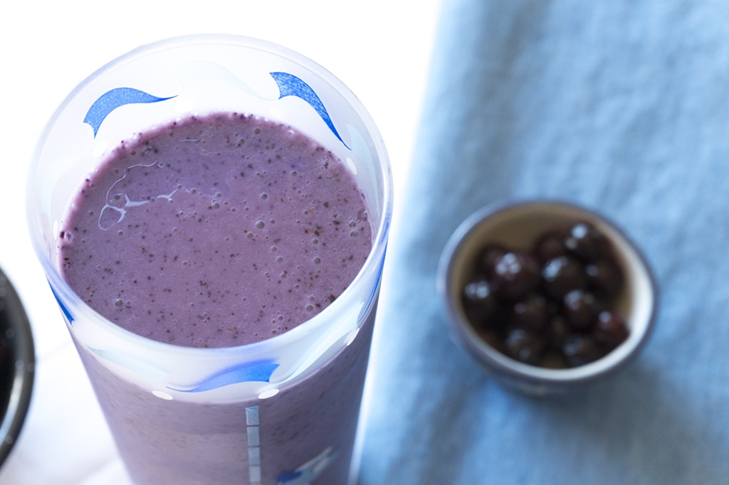 Wild Blueberry Chai Smoothie - A Wild Blueberry Smoothie rich with Chai Spices | SMOOTHIES | BREAKFAST | BLUEBERRIES | Recipe at OatandSesame.com