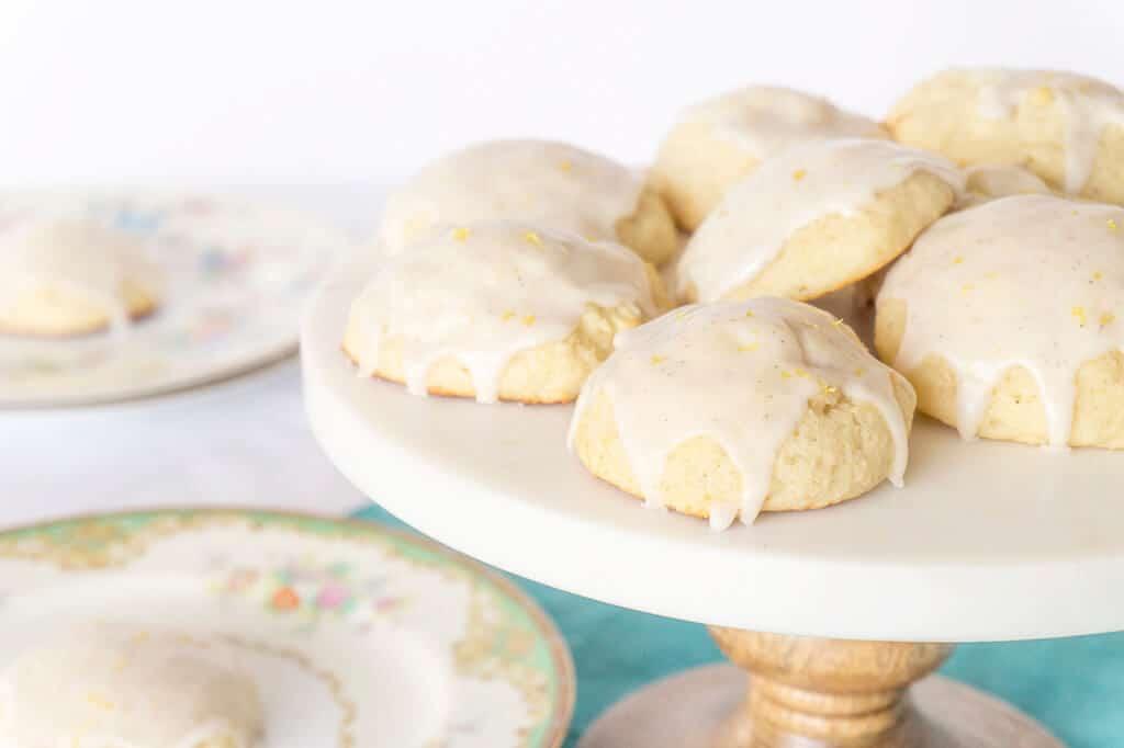 Vanilla Bean Cookies | Recipe at OatandSesame.com