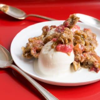 Old Fashioned Rhubarb Crunch