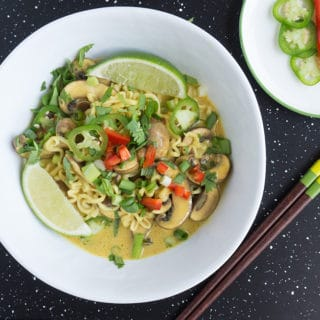 thai-coconut-curry-noodles-overhead
