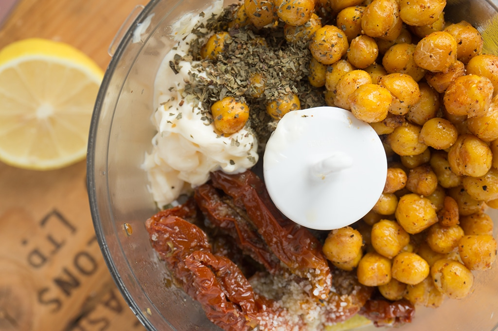 Spicy Roasted Chickpeas Spread
