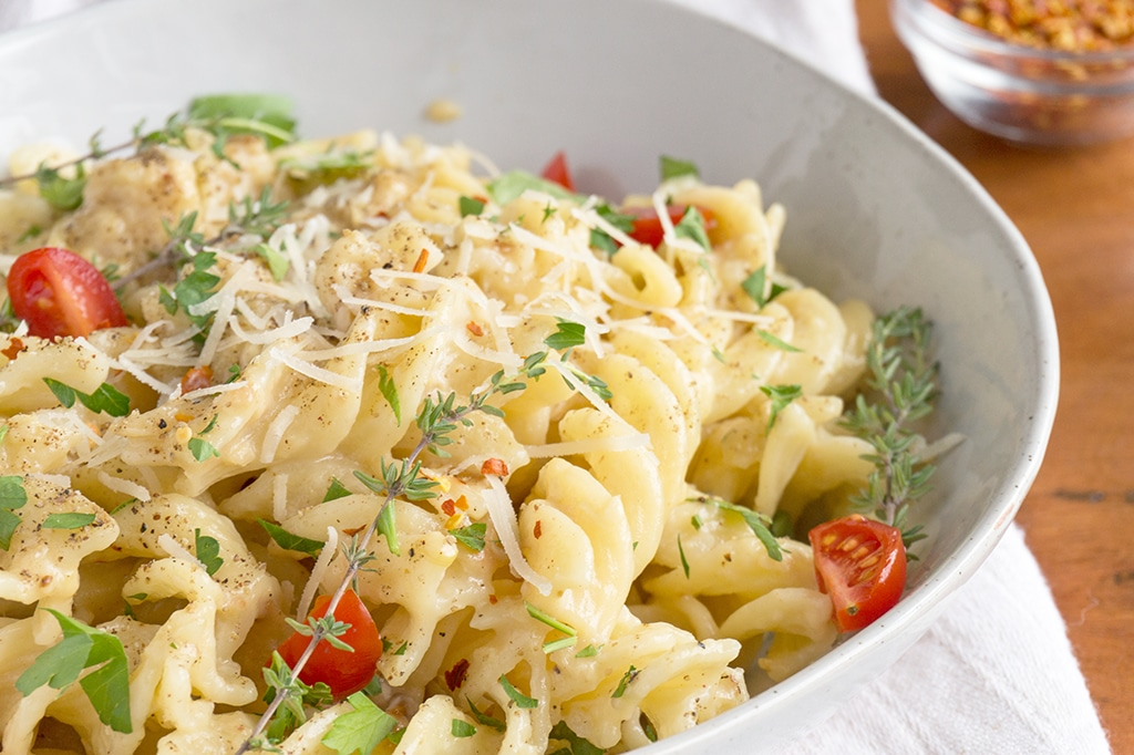 Creamy Roasted Garlic Pasta Sauce
